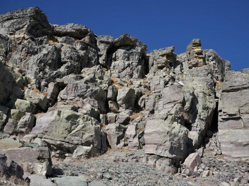 roches déchiquetées