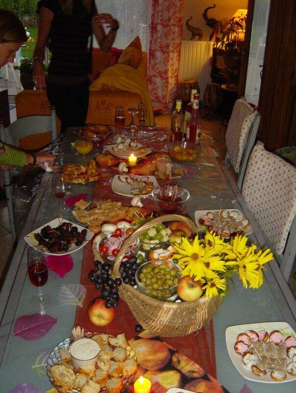 table d 39 automne pour un buffet de f te photo de tables de f tes all e des ajoncs. Black Bedroom Furniture Sets. Home Design Ideas