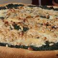 Pizza gorgonzola épinards et sa salade roquette poire