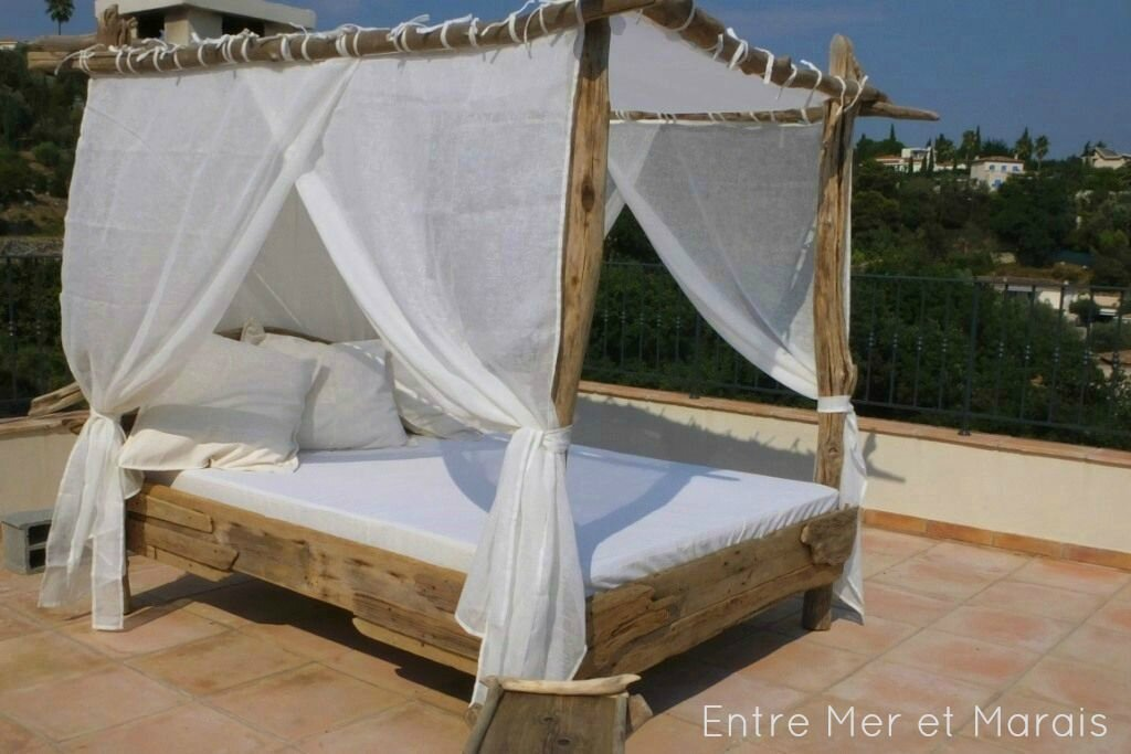 lit baldaquins de plage jardin entre mer et marais cr ations en bois flott. Black Bedroom Furniture Sets. Home Design Ideas