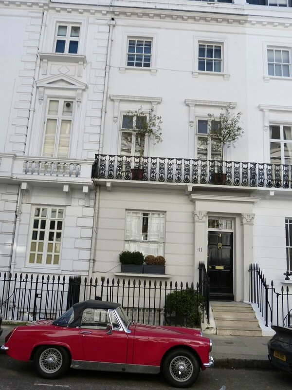 beauchamp place3