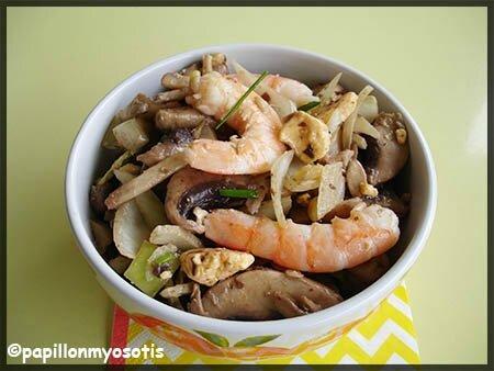 salade champignons, oignon, crevettes