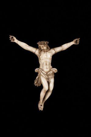 christ_en_albatre_sculpte_avec_traces_de_polychromie_1305883087913195