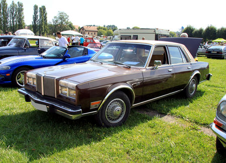 Chrysler_lebaron_4door_sedan_de_1981__1977_1989__8_me_Rohan_Locomotion__01