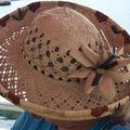 Chapeau en fibre de cocotier et de pandanus de tahiti