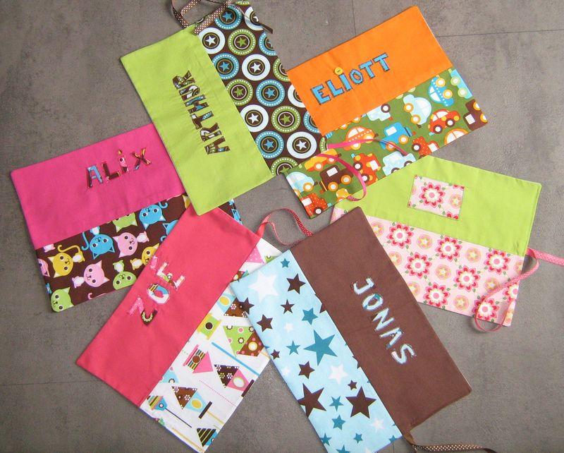 des bavoirs pour analia des pochettes crayons des serviettes de table petit pois. Black Bedroom Furniture Sets. Home Design Ideas