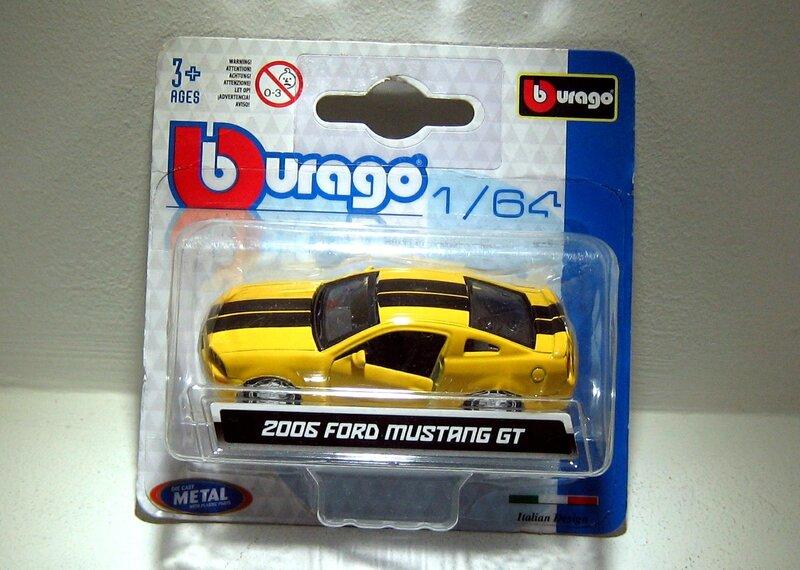 Ford mustang GT de 2006 (Bburago) 01
