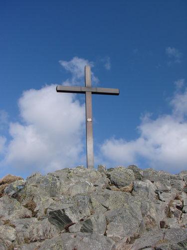 2008 04 24 La croix qui se trouve au sommet du Mont Mézenc