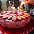 Gâteau mousse à la fraise miroir framboise