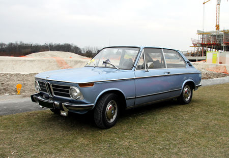 BMW_2002_touring_coup___23_me_Salon_Champenois_du_v_hicule_de_collection__01