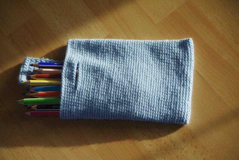 crocheter un sac pour ranger les crayons de couleur