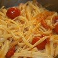 Linguine aux tomates cerises et aux oignons doux