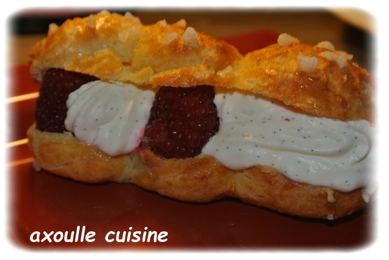 eclaire chantilly framboises