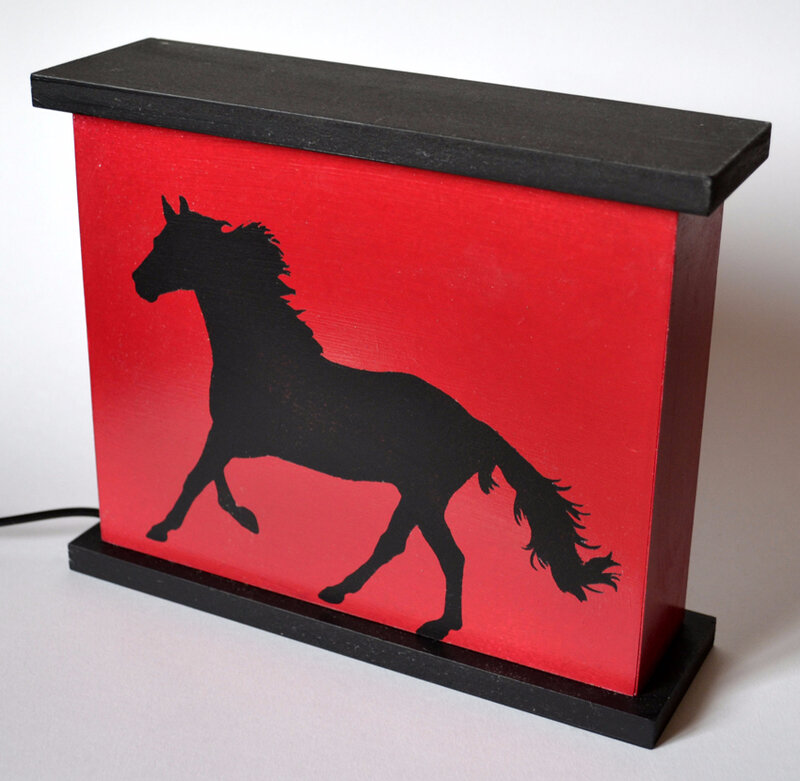 boite lumineuse type veilleuse cheval au galop cr ations chantourn es et p te fimo. Black Bedroom Furniture Sets. Home Design Ideas