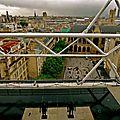 Sur la terrasse panoramique du Centre Pompidou.
