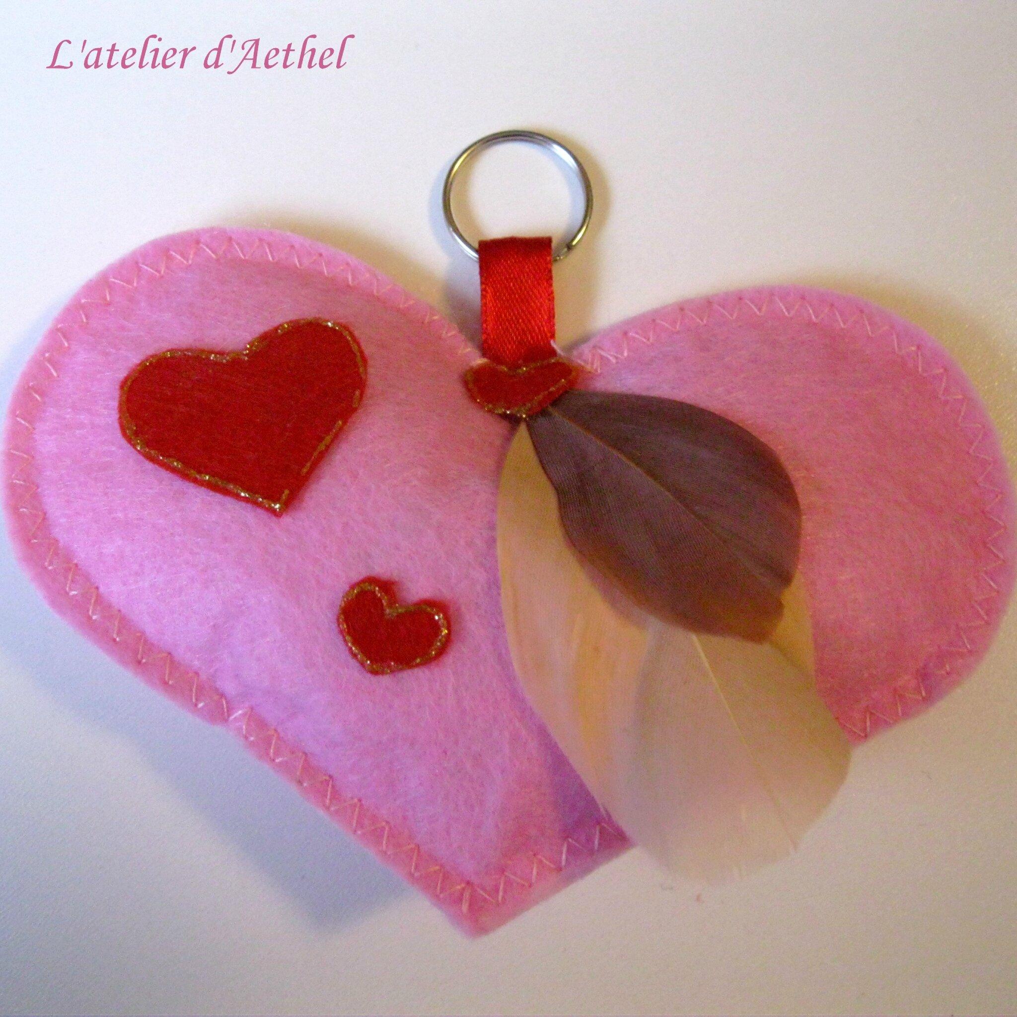 Coffret saint valentin rose : porte-clef, bourse avec petits bons et carte personnalisée
