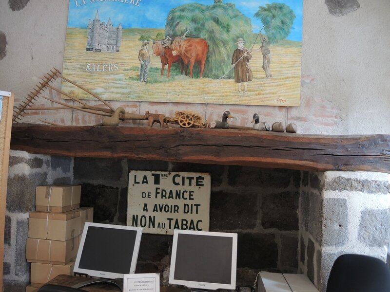 Salers, office du tourisme (15)