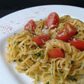 Tagliatelles aux piments et sauce aux herbes fraches