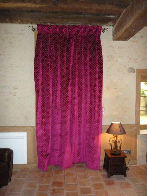 Doubles rideaux t tes flamandes lmretfilles for Rideau de porte d entree isolant