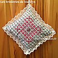 Broderie suisse: petits coussinets