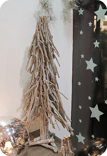 decoration de noel avec des branches de bouleau. Black Bedroom Furniture Sets. Home Design Ideas