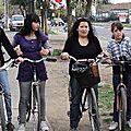 paseando en bicicleta con los adolescentes de la Fresia