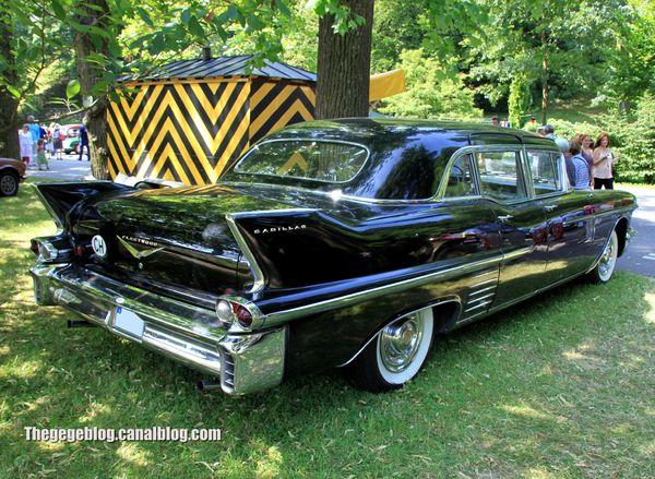 Cadillac fleetwood 75 4-door limousine de 1958 (37ème Internationales Oldtimer Meeting de Baden-Baden) 02