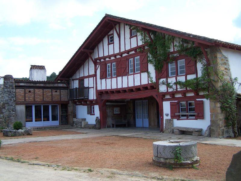 Hotel Saint Pee