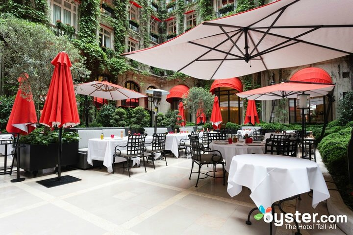 la-terrasse-montaigne-and-le-bar--v8426295-720