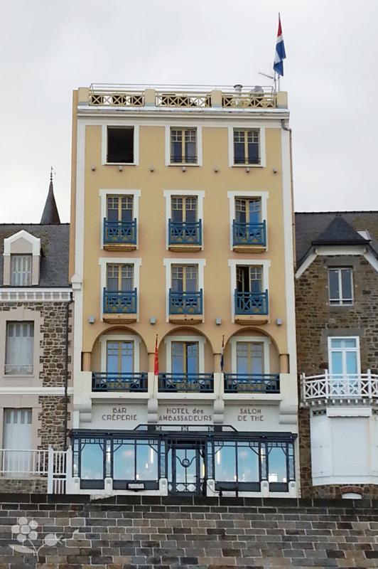 Saint Malo, Hôtel Les Ambassadeurs vue de la Chaussée du Sillon_2