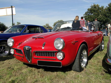 ALFA ROMEO 2000 Spider 1958 1961 Nesles Retro Expo 2010 1