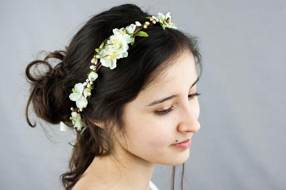 Couronne de fleurs mariage en ivoire et vert nuage color - Couronne de fleur mariage ...