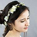 Couronne de fleurs mariage en ivoire et vert