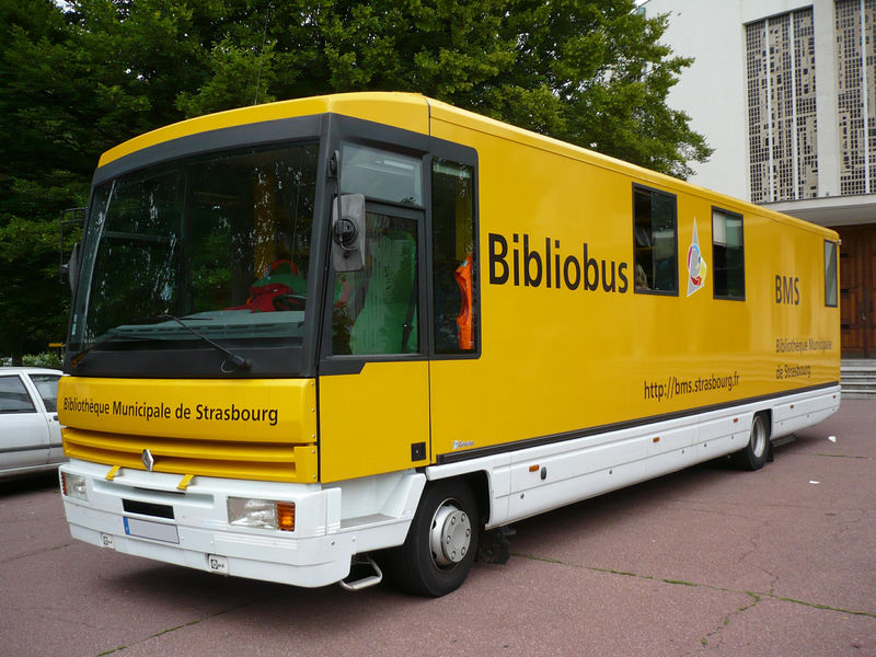 renault bibliobus strasbourg 01 photo de uniques autocars co. Black Bedroom Furniture Sets. Home Design Ideas
