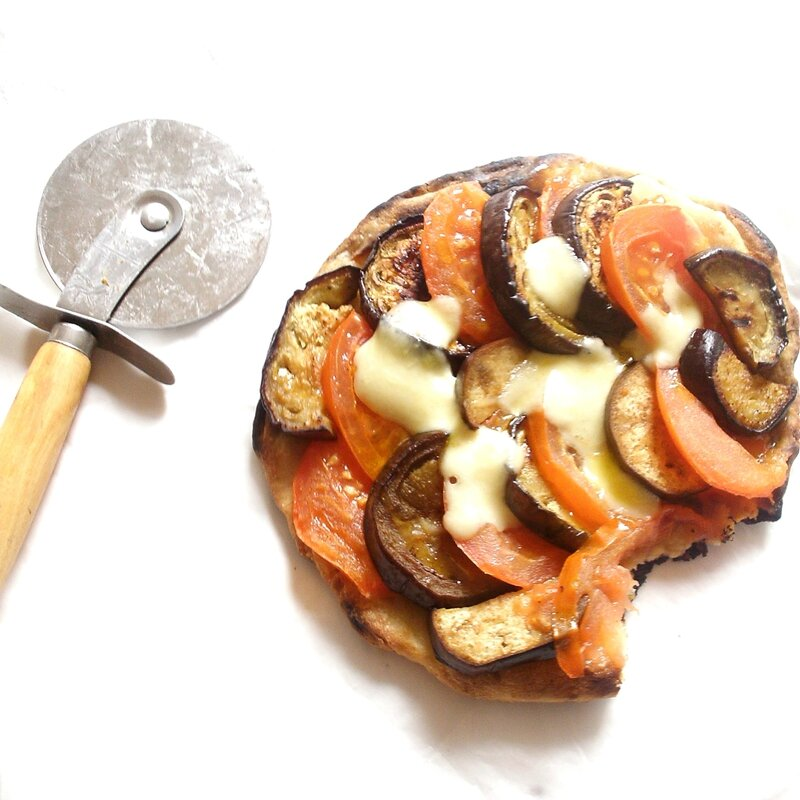 mini pizza aubergine tomate mozzarella