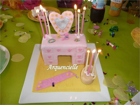 G_teau_coiffeuse_girly_3D_bougies