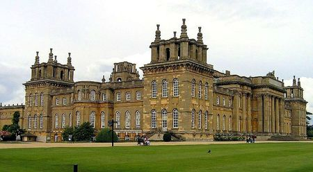 800px-Blenheim_Palace_2006_cropped