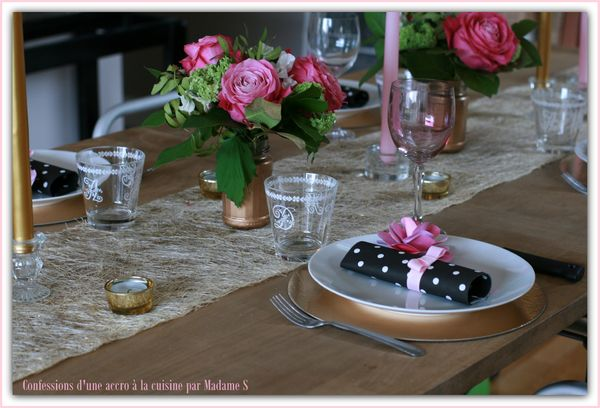 Table rose et or 028
