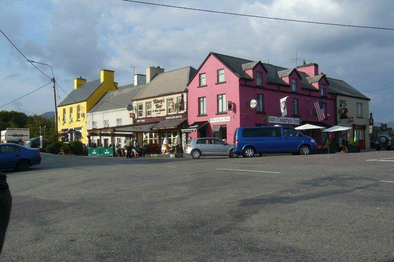 074 Sneem, charmant village situé sur la côte sud de l'anneau du Kerry