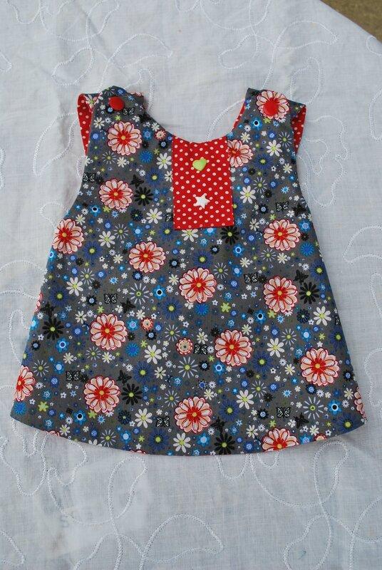 lingettes, serviettes bandeaux enfants robes tabliers 013