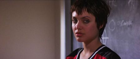 angelina_jolie_Hackers_short_hair