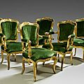 Suite de six fauteuils  dossier cabriolet en bois sculpt et dor. Travail italien, du XVIIIe sicle