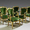 Suite de six fauteuils à dossier cabriolet en bois sculpté et doré. travail italien, du xviiie siècle
