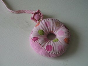 pincushion_swap_donut_et_mini_pincushion_christel