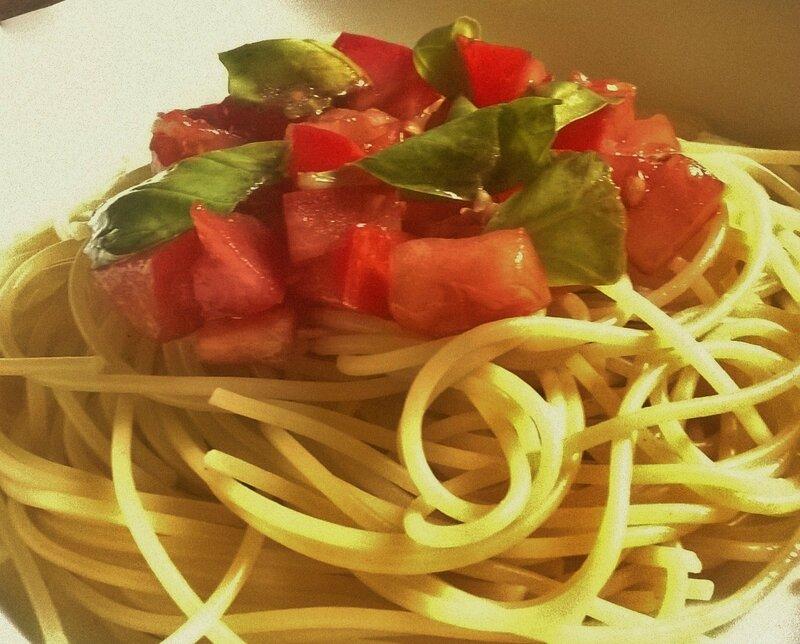 spaghettis aux tomates crues