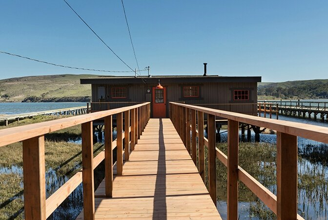 534dd405b3713modern_vacation_rentals_iverness_california_8