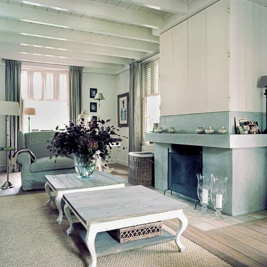 living_room_3_homes_and_gardens