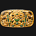 Belle plaque ornementale de parure cérémonielle. lambayeque, pérou, 1100 - 1400 après jc.