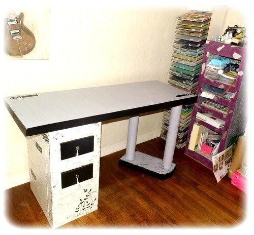 mon bureau en carton mes scraps et moi. Black Bedroom Furniture Sets. Home Design Ideas
