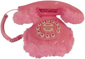telephone_fourrure_rose